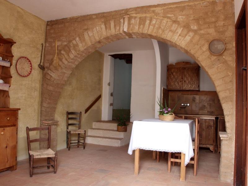 Rosso porpora residenze turistiche san giovanni suergiu - Archi da interno casa ...